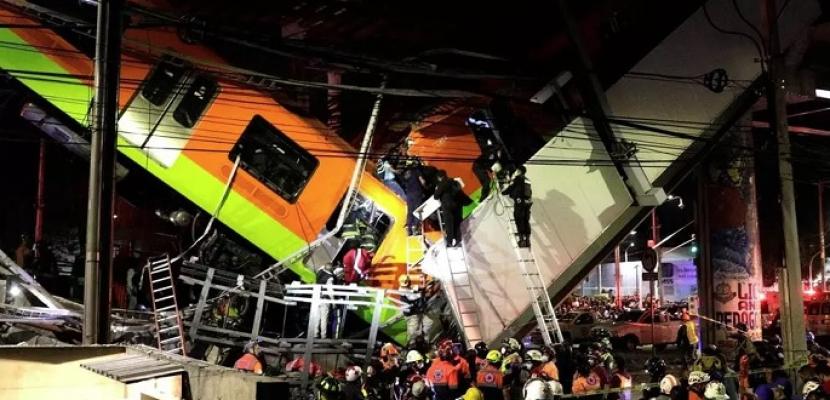 13 قتيلا و70 مصابا في انهيار جسر بالعاصمة مكسيكو لحظة مرور قطار مترو عليه