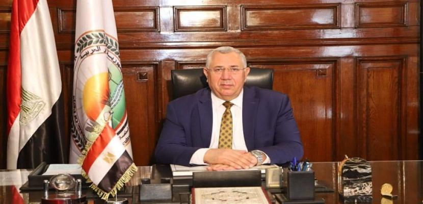 وزير الزراعة يعلن حصاد 1.2 مليون فدان قمح وتوريد مليون طن