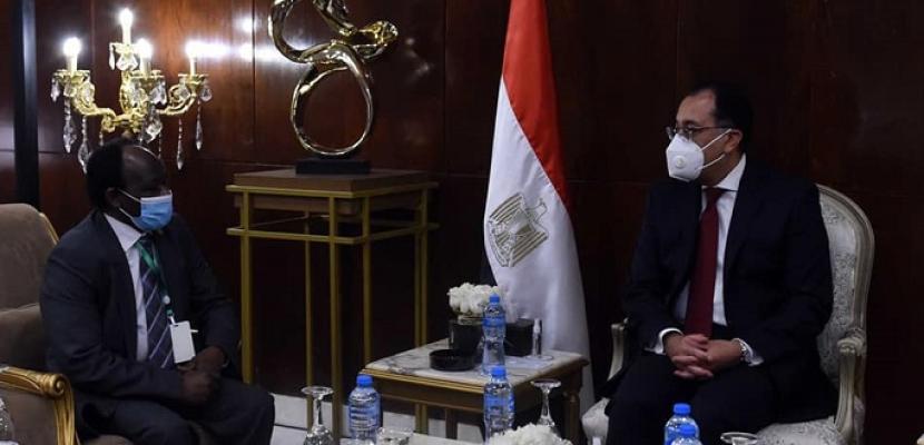 بالصور.. رئيس الوزراء يلتقي وزير الاستثمار والتعاون الدولي بجمهورية السودان
