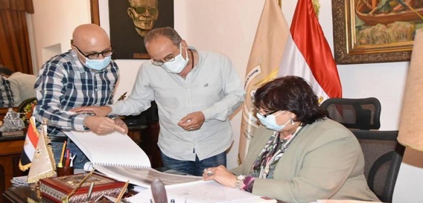بالصور.. وزيرة الثقافة تستعرض الترتيبات الخاصة بالدورة 52 لمعرض القاهرة الدولي للكتاب