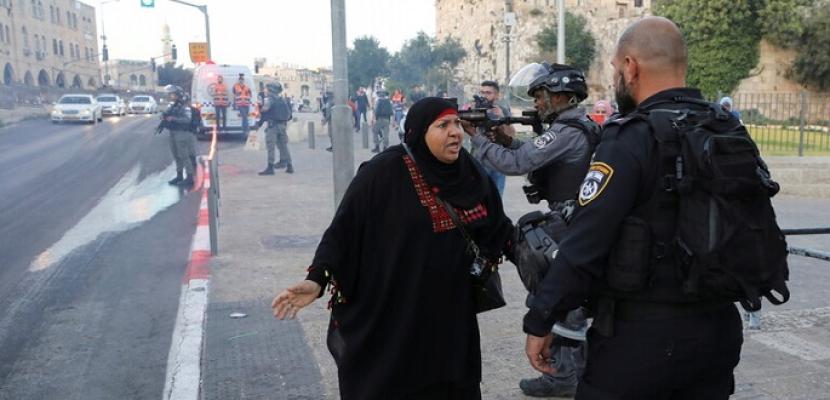 """الشرطة الإسرائيلية توافق على تنظيم """"مسيرة الأعلام"""" في القدس.. ومواجهات جديدة في الضفة الغربية"""