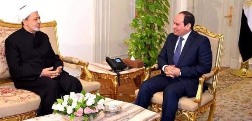خلال اتصال هاتفي.. الإمام الأكبر يؤكد دعم الأزهر لخطوات الرئيس السيسي في بناء الوطن