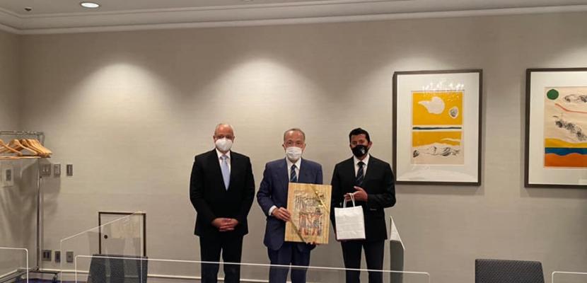 بالصور.. وزير الرياضة يلتقي رئيس مركز اليابان ومحافظة طوكيو