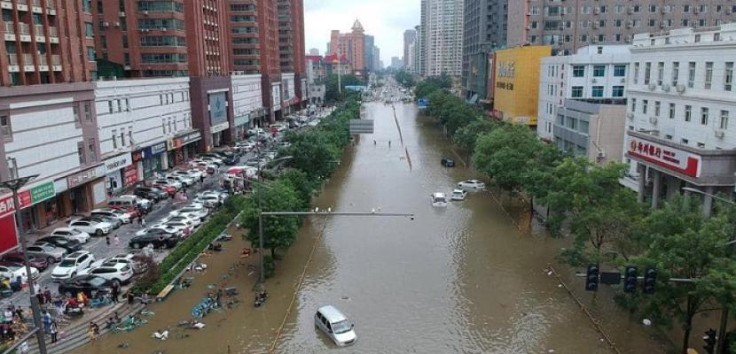 الجارديان: ارتفاع قتلى فيضانات الصين يثير تساؤلات حول استعداد السلطات لمواجهة الكارثة