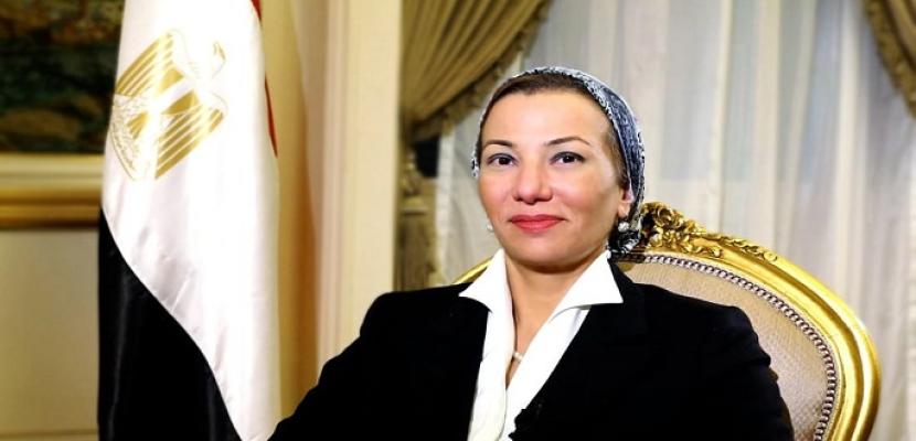 وزيرة البيئة توجه بدفع لجنة عاجلة للسيطرة على التلوث الزيتي بشاطئ المناخ ببورسعيد