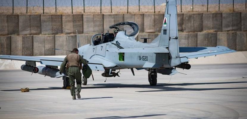 ديلي ميل: طالبان غاضبة بعد تخريب أمريكا للكثير الطائرات قبل مغادرتها