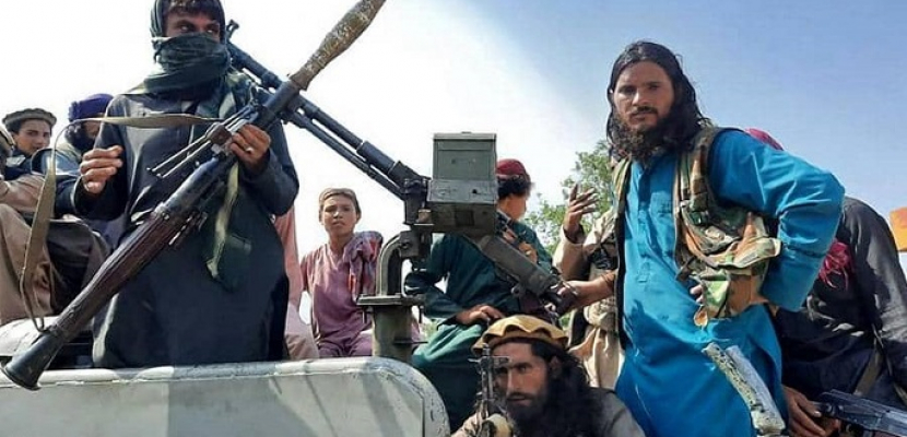الجارديان : الخليج يعيد النظر في علاقته بواشنطن بعد زلزال أفغانستان
