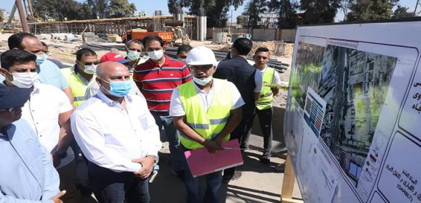 بالصور .. وزير النقل يتفقد مواقع العمل بعدد من مشروعات الطرق والكباري غرب الإسكندرية
