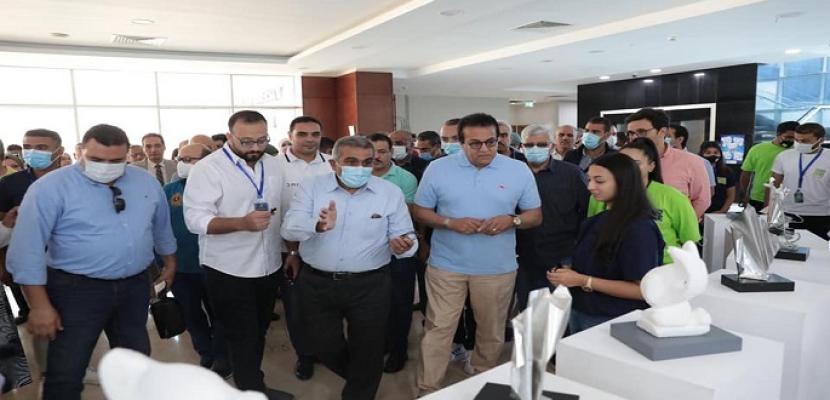 بالصور.. وزير التعليم العالي ورؤساء الجامعات يتفقدون جامعة الجلالة