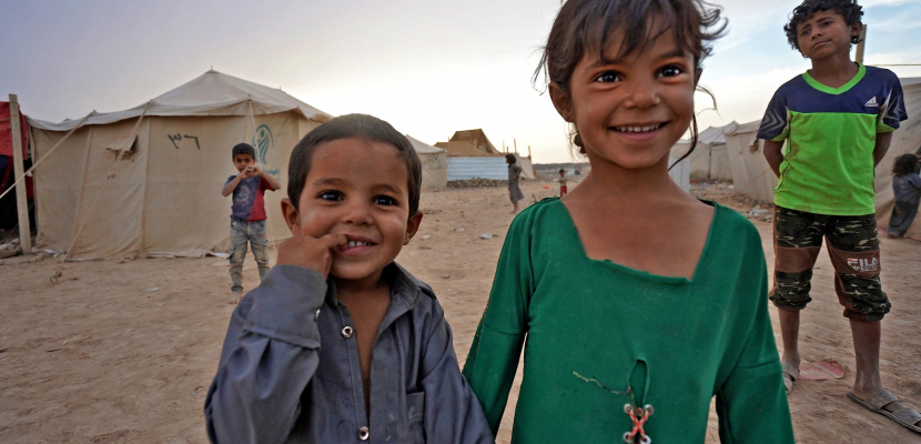 هجمات الحوثي مستمرة..130 ألف طفل نازح في مأرب بلا تعليم