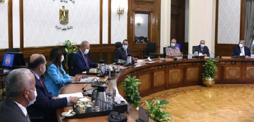 بالصور.. رئيس الوزراء يتابع الموقف التنفيذي لمشروعات العاصمة الإدارية