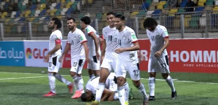 مصر تفوز على ليبيا بثلاثية في بنغازي وتحلق بصدارة مجموعتها بتصفيات كأس العالم