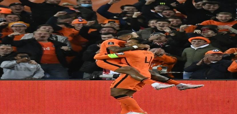 هولندا تكتسح جبل طارق بسداسية في تصفيات كأس العالم