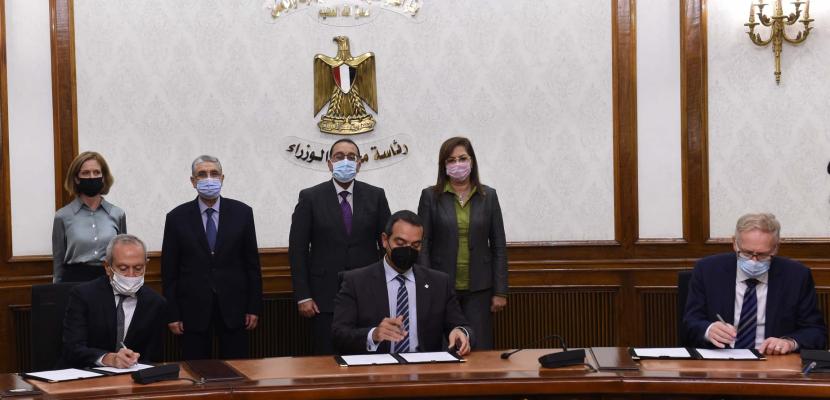 بالصور.. رئيس الوزراء يشهد توقيع اتفاقية إنتاج الهيدروجين الأخضر