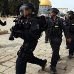 الاحتلال يحاصر المسجد الاقصى ويحول القدس لثكنة عسكرية