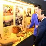 السيسى يزور المتحف الوطنى بكازاخستان