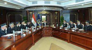وزير الداخلية يجتمع بمديري إدارات المرور بالمنطقة المركزية