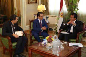 عبد الغفار مع سفير كازاخستان