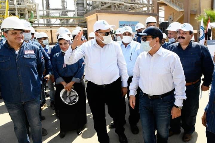 وزير البترول يتفقد مصفاة تكرير العامرية